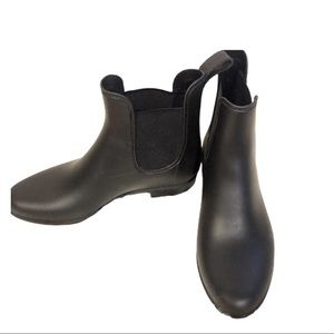 A New Day Chelsea Black Rubber Ankle Rain Boots 7